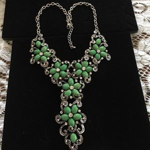 Hsn green foe  turquoise  flower necklace nwot